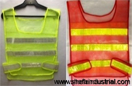 safety-vest-ordinary-back-to-back